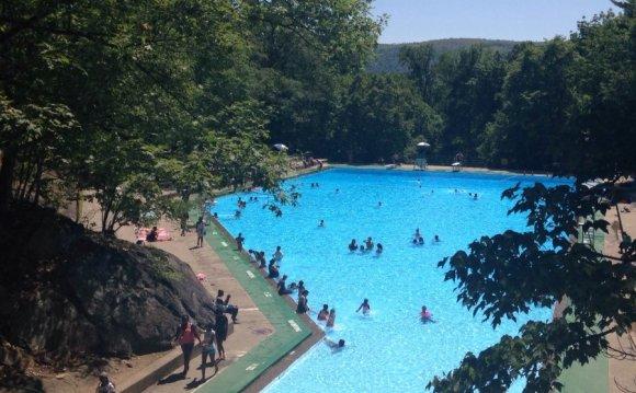 Bear Mountain Swimming Pool